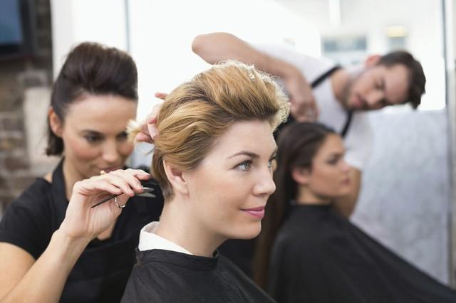 Подскажите, посоветуйте курс (образование) парикмахеров