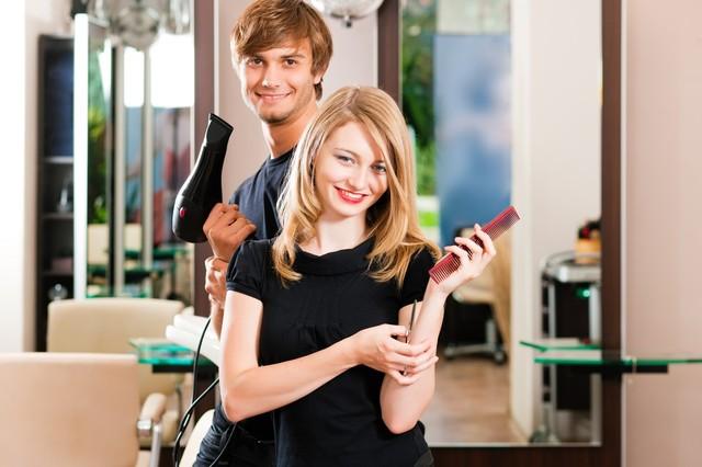 Как выбрать курсы обучения парикмахеров для детей.
