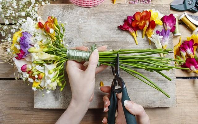 Где найти кратковременные, мини (однодневные) курсы в колледже (техникуме), академии флористов.