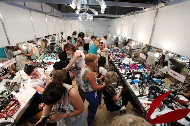 Смотреть список ведущих школ парикмахеров