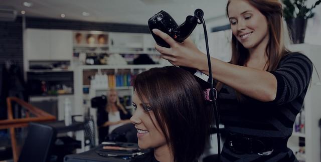 Выбираем месячные (за месяц) курсы в колледже (техникуме), академии парикмахеров