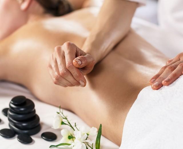Где и чему учат в школе массажа