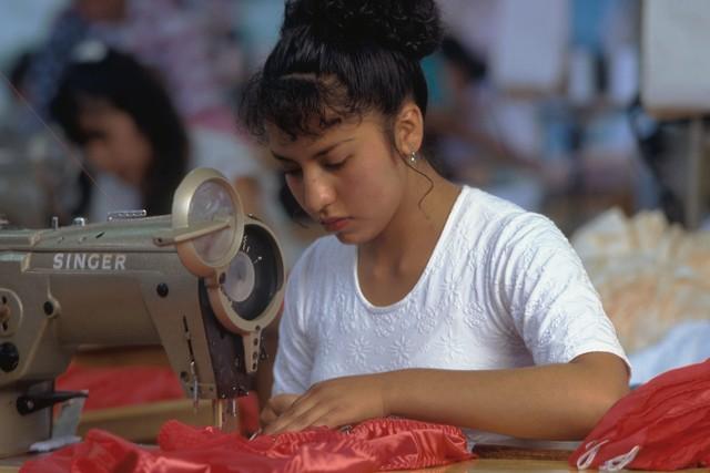 Как и где выбрать учебный центр (курсы) кройки и шитья от биржи труда (службы занятости)