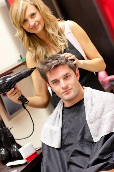 Где и чему учат в учебной студии (салоне) парикмахеров