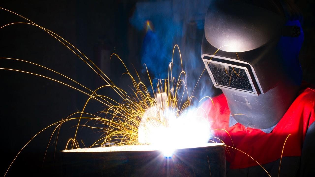 Где и чему учат в учебном центре (курсах) электрогазосварщиков