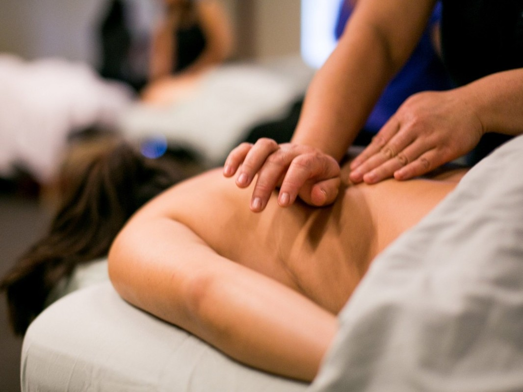 Где лучше всего учиться массажу